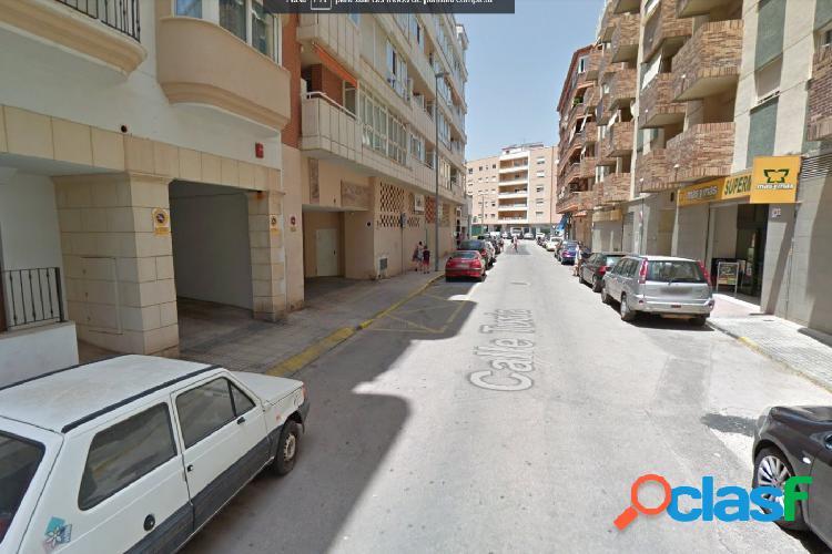 Plaza de garaje en calle Túria