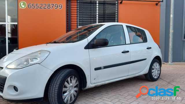 RENAULT Clio diesel en Granada (Granada)