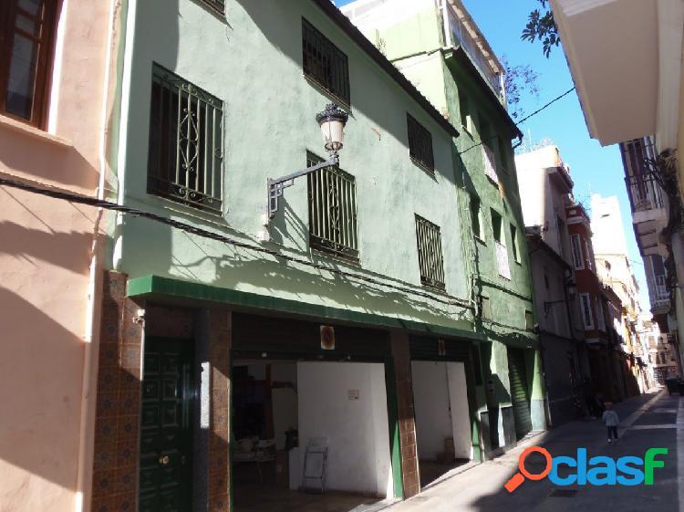 Se vende casa en pleno centro de Castellón, paralela a