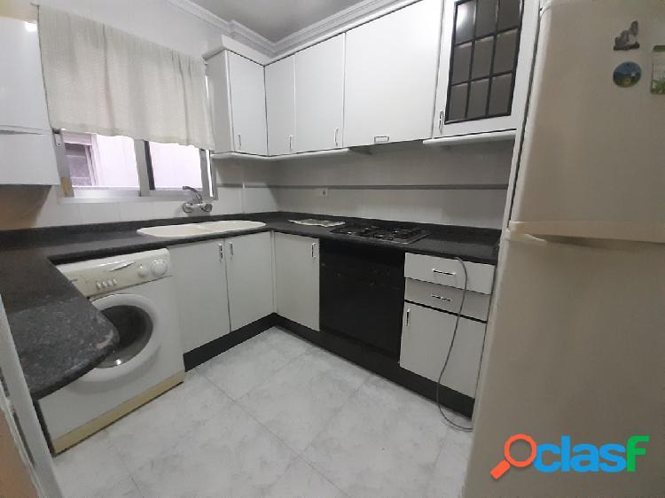 Se vende piso de dos habitaciones y un baño