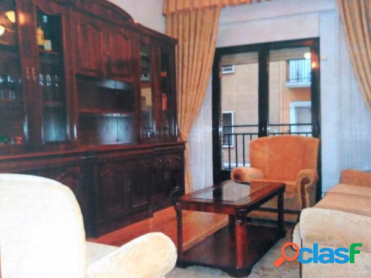 Urbis te ofrece un excelente piso en alquiler en zona