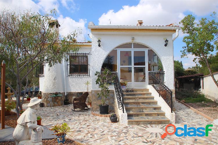 Villa con gran jardín, 3 dormi