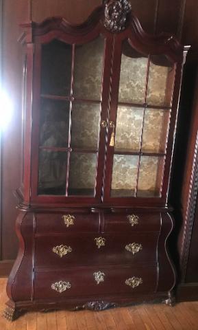 Mueble color caoba para entrada o pasillo