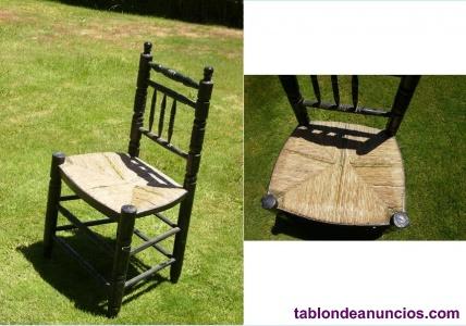 Antiguas sillas de anea de tipo andaluz
