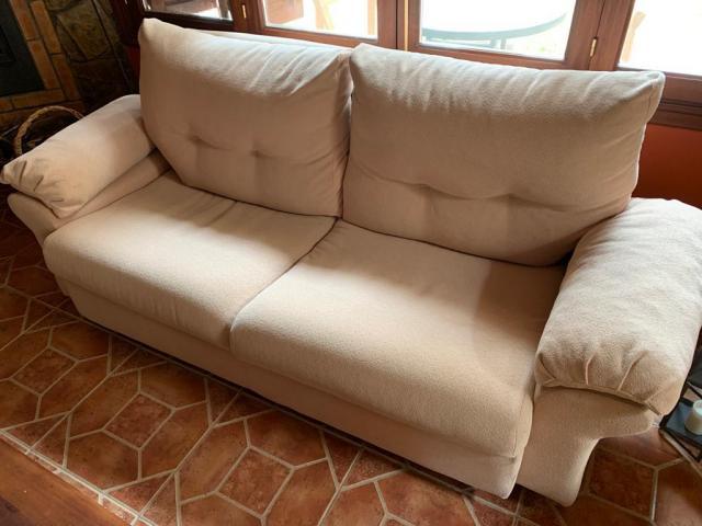 VENDO SOFA EN BUEN ESTADO, MEDIDAS: 205X90X90
