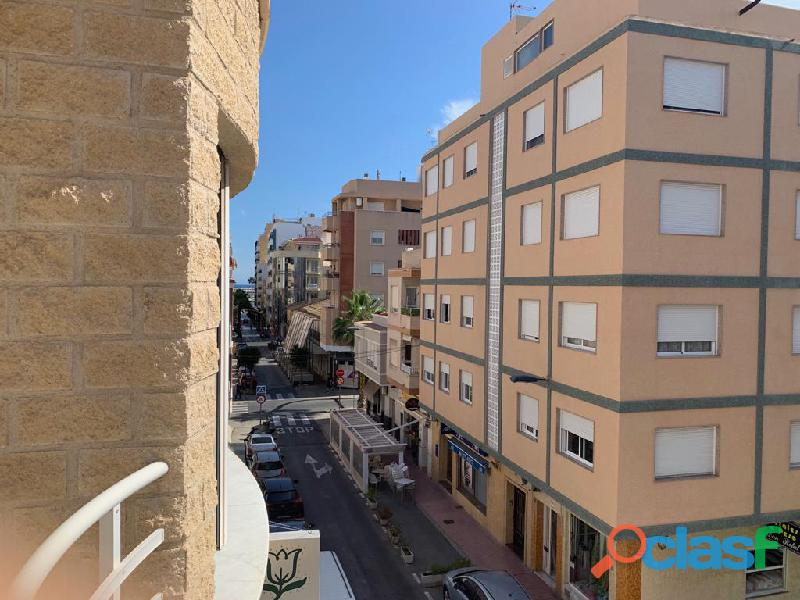 Apartamento Sin Terminar en Centro de Torrevieja a una calle
