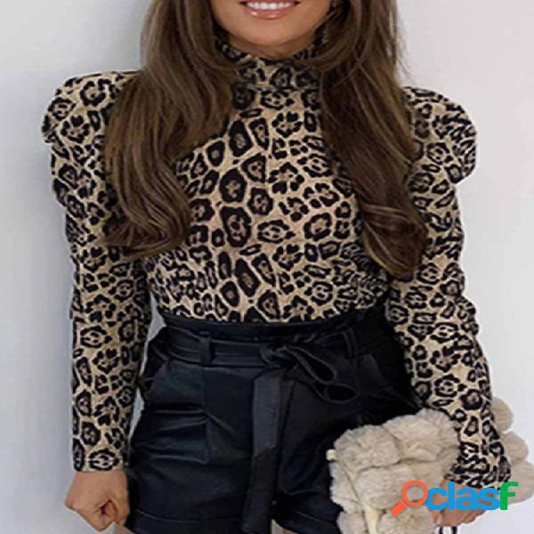 Blusa de manga larga con cuello alto y estampado de leopardo