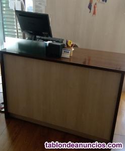 Se vende mostrador de madera para tienda de ropa o cualquier