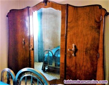 Vendo precioso conjunto de muebles antiguos de madera