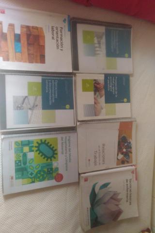 Se venden libros de auxiliar de enfermeria