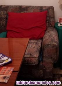 Sofá de tres plazas más sillón a juego de flores