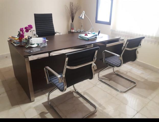 Mesa oficina de dirección