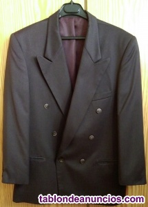 Vendo chaqueta FERRATTI,en perfecto estado.