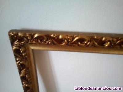Marco de madera dorado