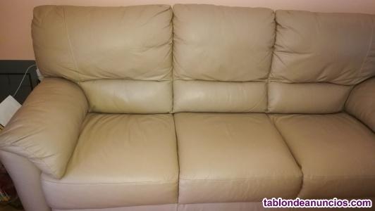 Sofá de tres plazas de piel auténtica