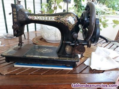 Se vende maquina de coser marca singer modelo 28k3
