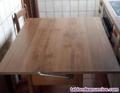 Vendo mesa cocina 2 sillas y 1 taburete