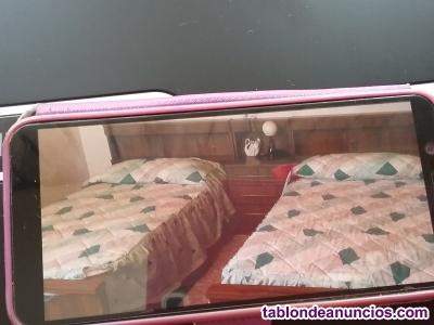 2 camas de 1,05 y mesita