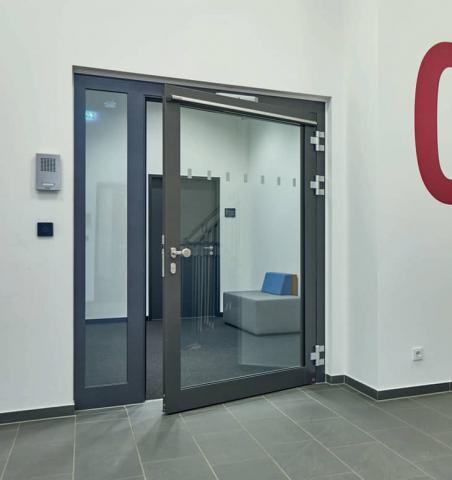 Puertas de entrada y garaje para el sector industrial