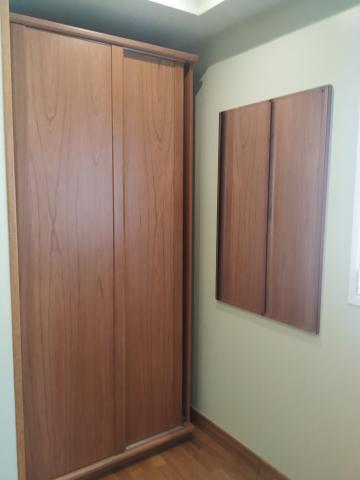 dormitorio juvenil en madera de cerezo