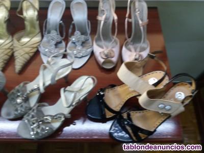Vendo vestidos de fiesta y calzado