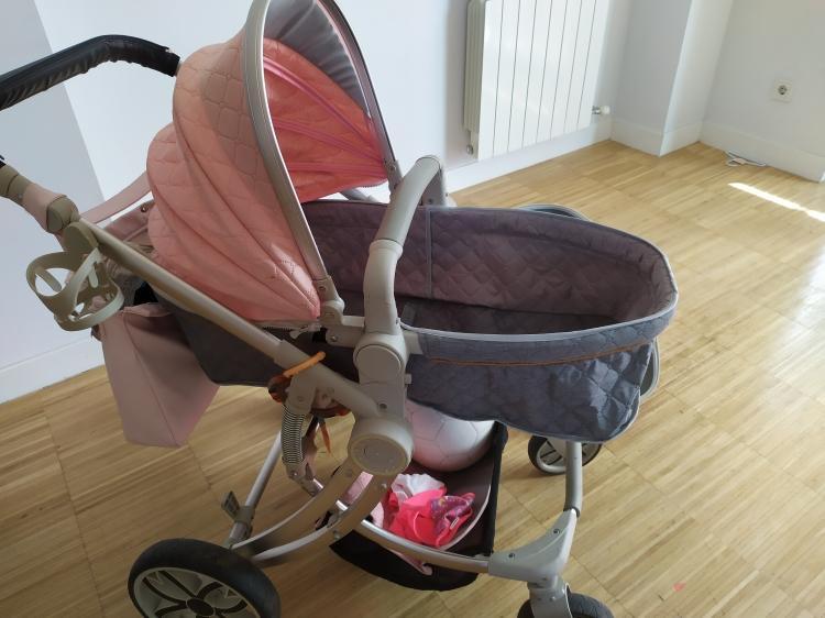 Se vende carro de bebe rosa