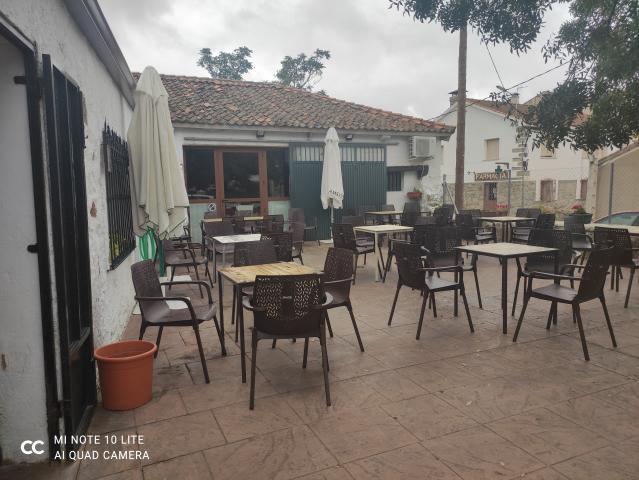 Venta de bar restaurante en funcionamiento