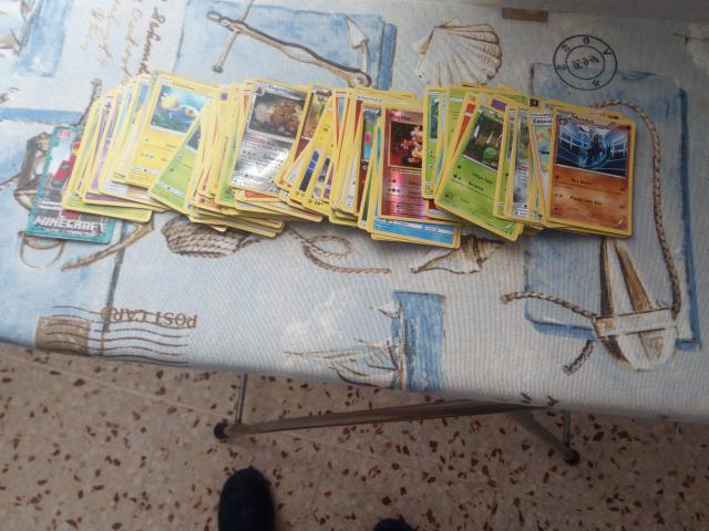 Se vende lote de cartas de pokemon en total 120