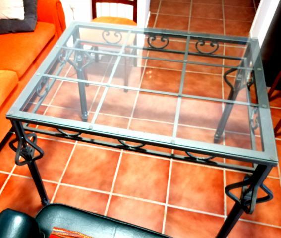 Se vende mesa con cristal