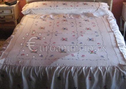 Colcha de Lagartera para cama de matrimonio