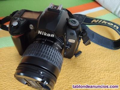 Cámara Réflex Nikon D70 con objetivo mm