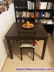 Mesa extensible + dos sillas