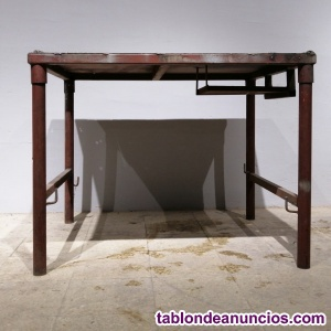 Banco de trabajo metálico 90x110cm