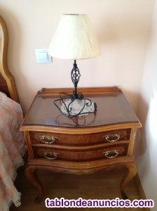 Mesilla de dormitorio antigua