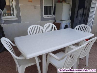 Vendo mesa de jardin con 6 sillas