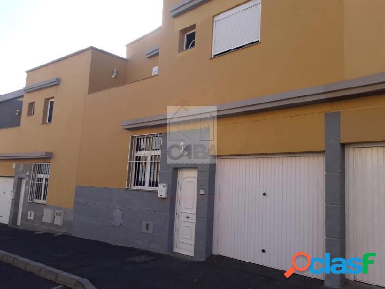 Adosado 3 dormitorios en Los Cardones (San Isidro)
