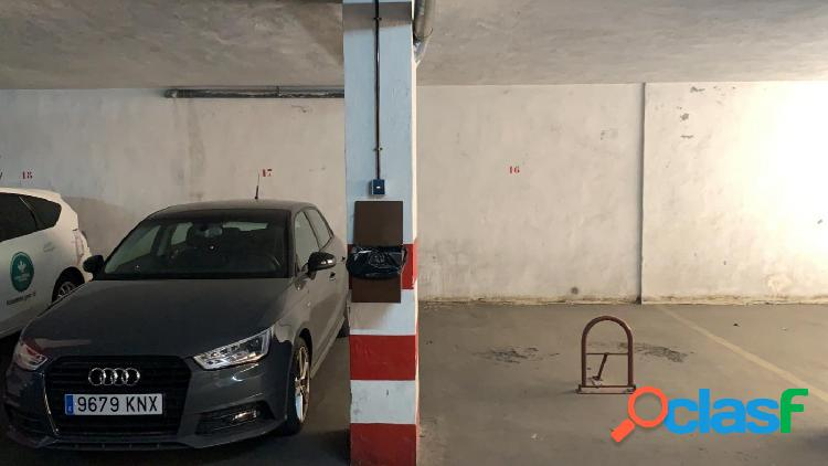Alquiler o venta de plaza de garaje ancha y con barrera de