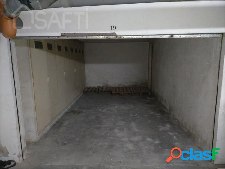 Amplia Plaza de Garaje Cerrada o Uso como trastero y
