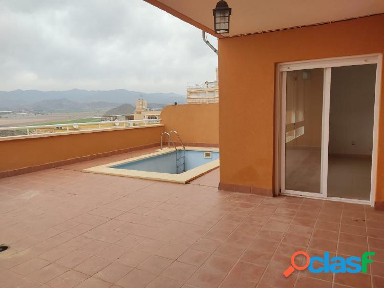 Apartamento,amplia terraza con piscina privada