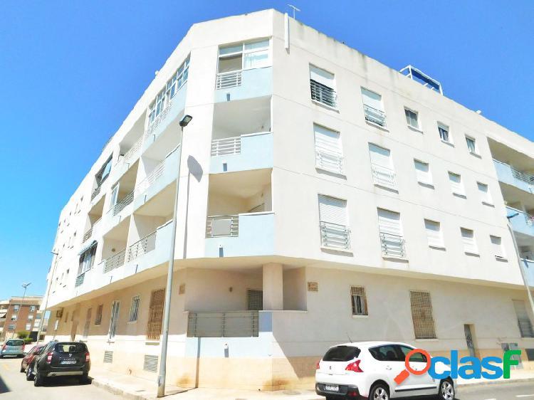 Apartamento con ascensor en Almoradi