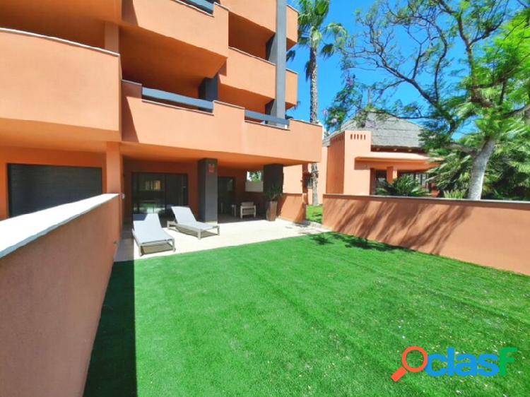 Apartamento con terraza en Villamartín