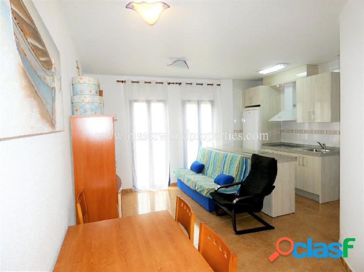 Apartamento semi nuevo andando Playas!!