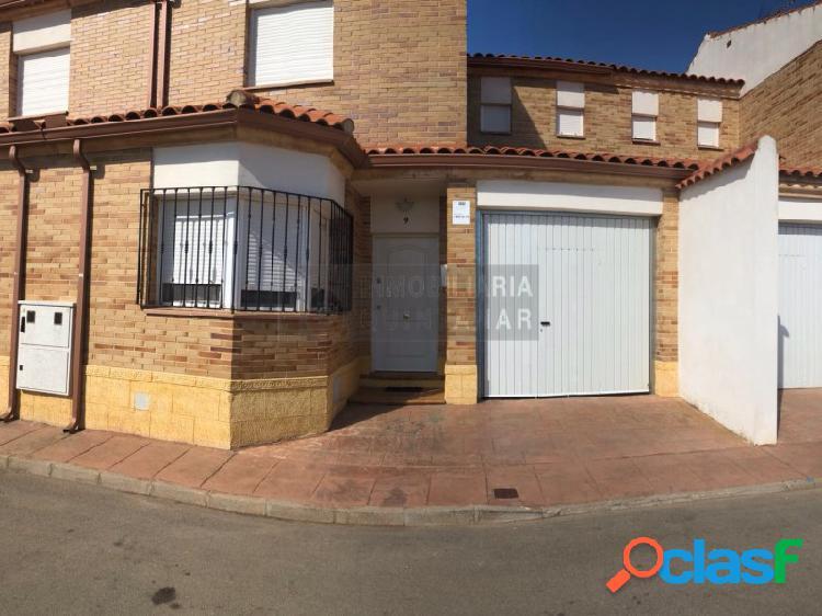 Casa 4 habitaciónes, Duplex Venta Cabezamesada