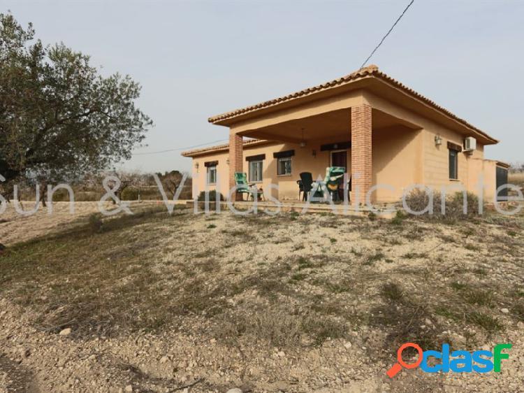 Casa de Campo en Venta a Cinco Minutos de Castalla, Alicante
