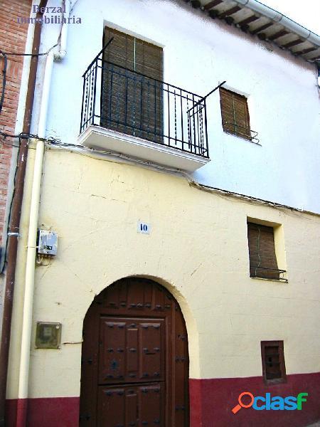 Casa de pueblo en venta en Sotés. Tres plantas más