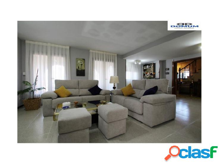 Chalet 5 habitaciones, Triplex Venta Coslada