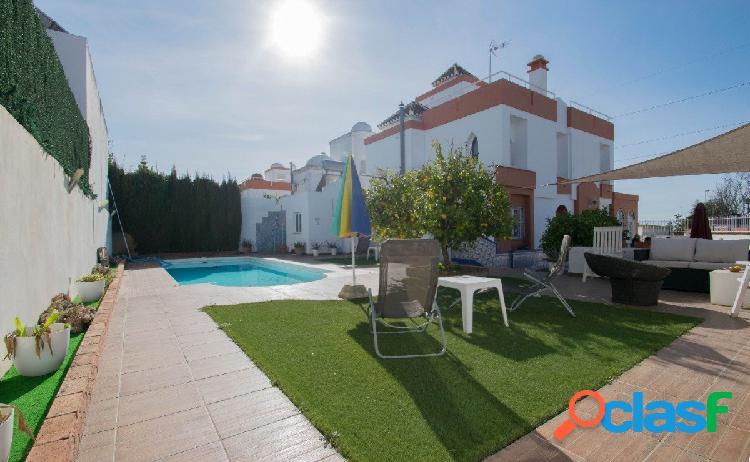 Chalet en venta en Urb. Villas Blancas de Albolote