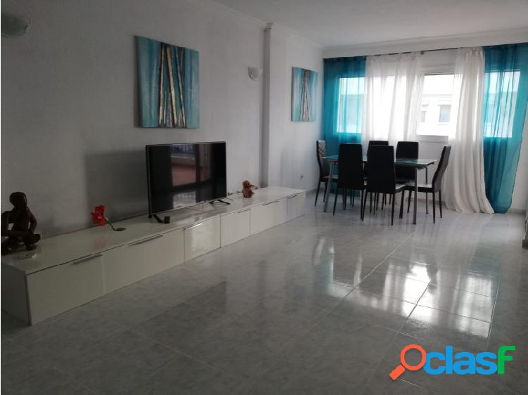Comodo apartamento de 3 habitaciones en Marina Botafoch