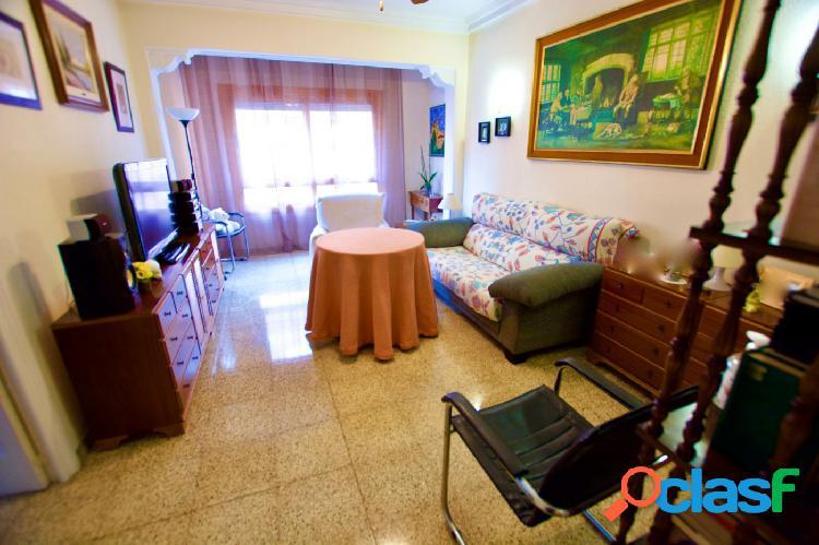 Espacioso piso de 4 dormitorios - Pere Garau