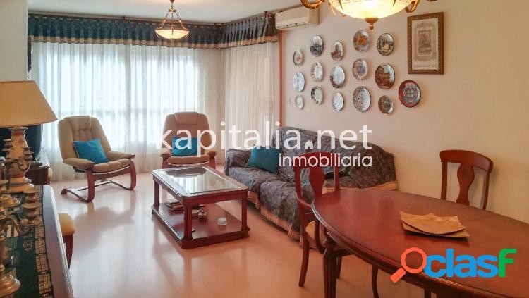 Estupendo piso a la venta en Avda. Alcoi, Alicante